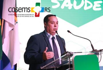 Presidente do COSEMS/RS visita o hospital de campanha da cidade de Pelotas.